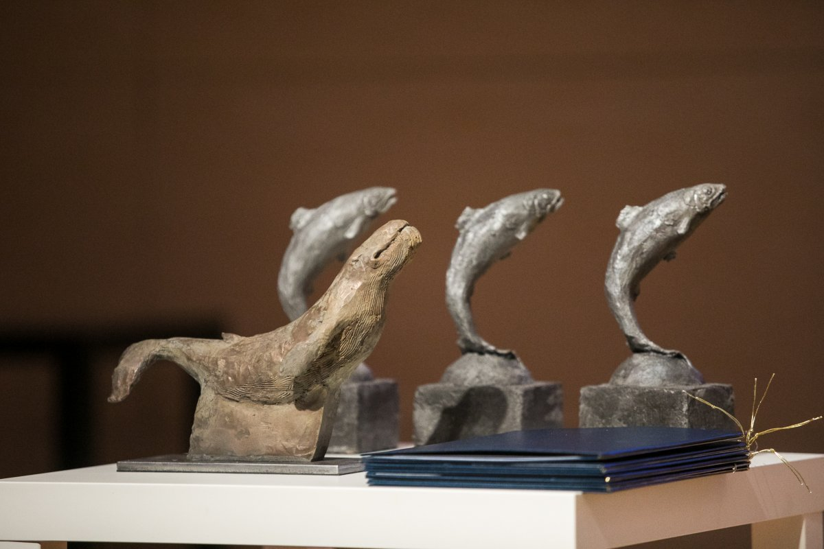 statuetki Srebrnego Śledzia i Wieloryba Pozarządowego // fot. Karol Stańczak