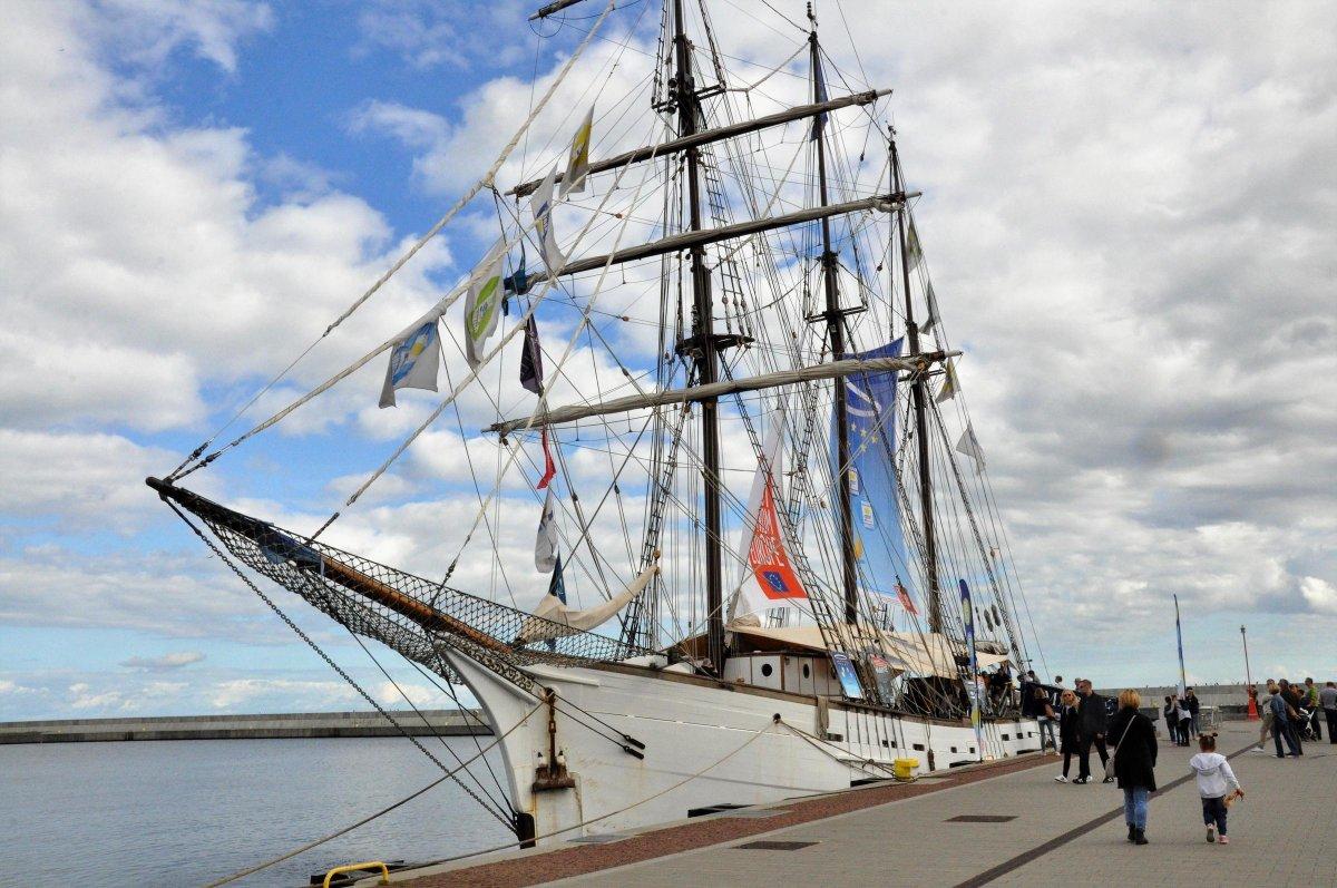 Французский трехмачтовый парусник в Гдыне со специальной выставкой на борту. Вход свободный