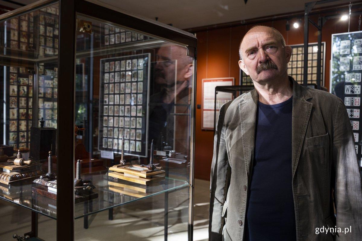 Muzeum Kart do Gry to jedna z najciekawszych kolekcji kart w Polsce. Kustoszem muzeum jest Andrzej Rzepkowski, fot. Przemysław Kozłowski