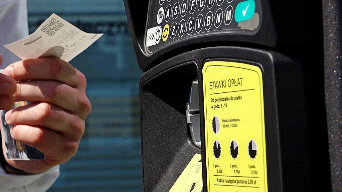 Strefa Płatnego Parkowania w Gdyni zawiesza pobieranie opłat!