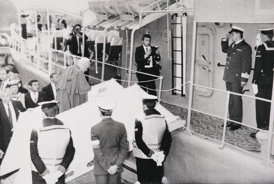 Jan Paweł II na ORP Mewa //fot.przekazane przez p.Mariana Kluczyńskiego ze zbiorów Marynarki Wojennej