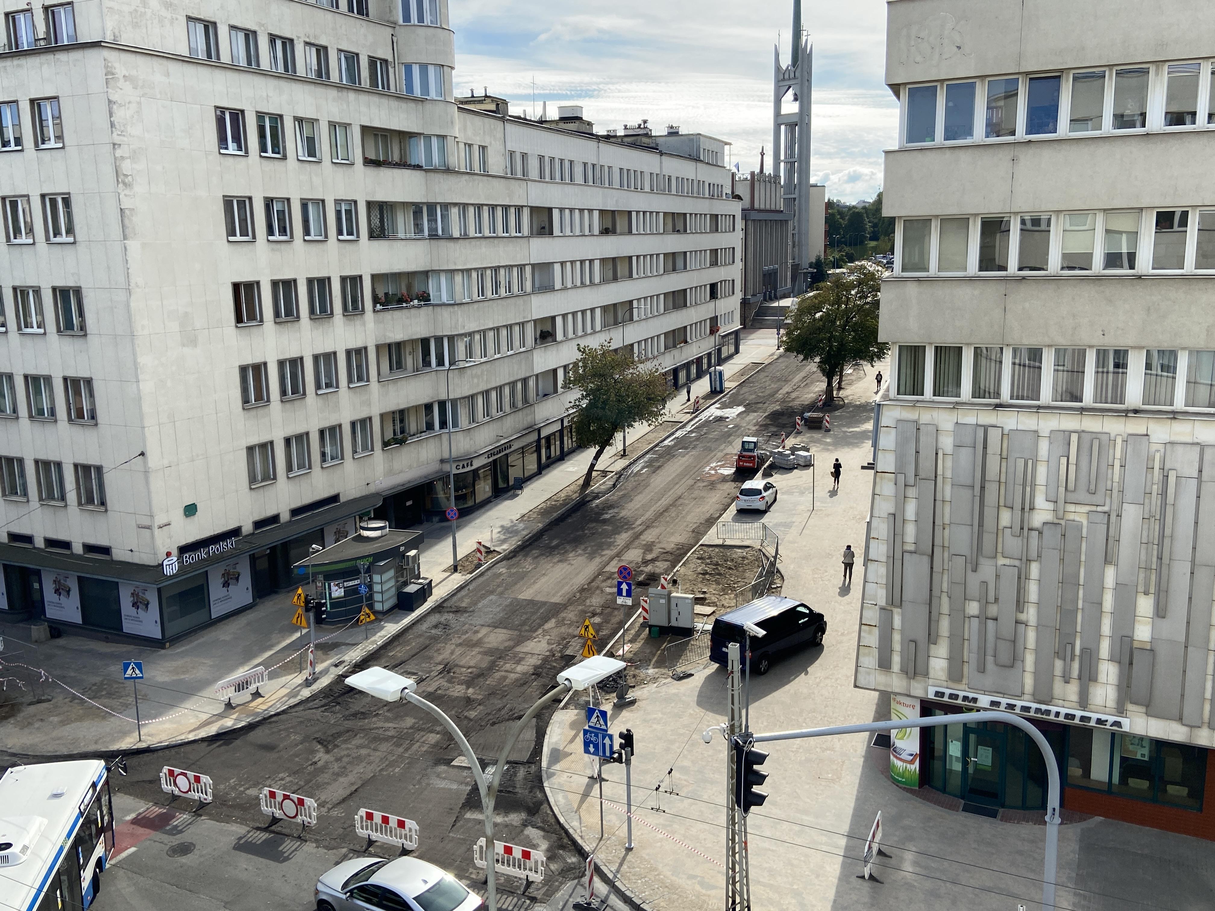 Tak wyglądała ulica 3 Maja w sierpniu 2020 roku, kiedy była w trakcie przebudowy // fot. ZDiZ Gdynia