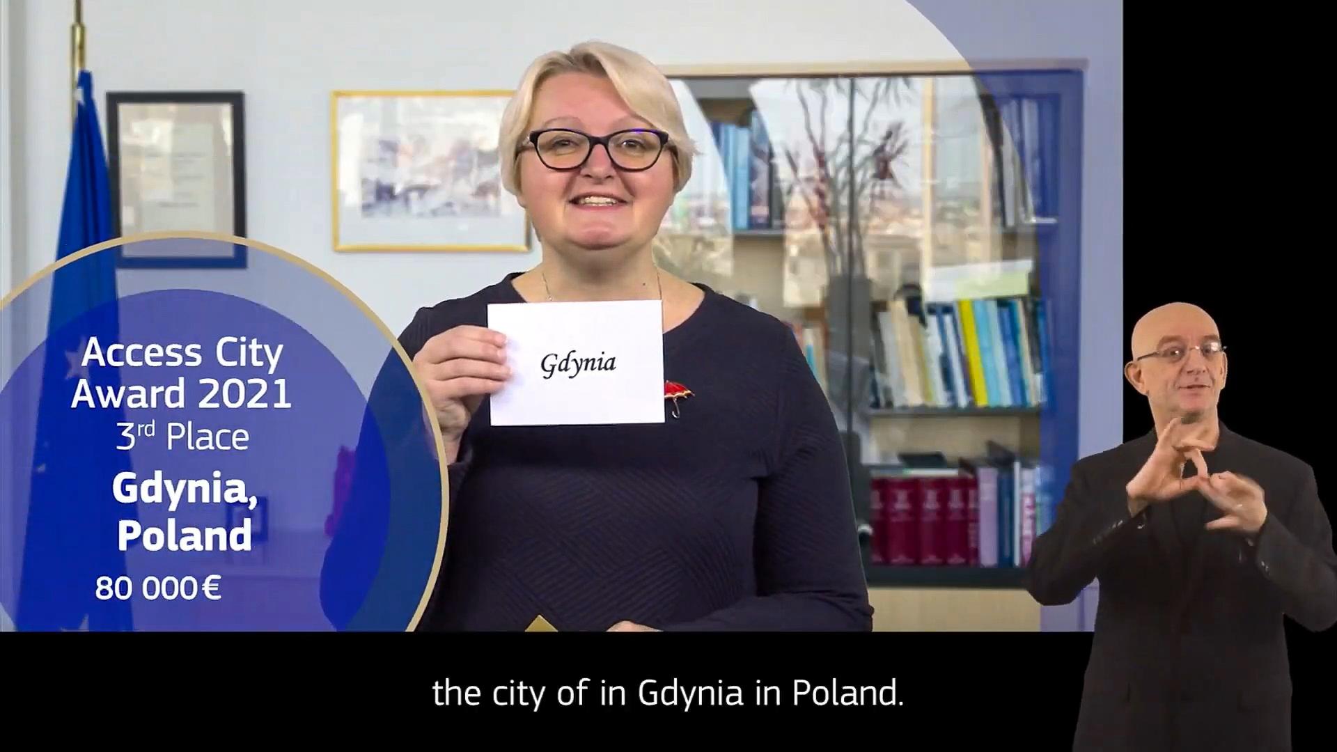 Katarina Ivanković-Knežević, Dyrektor ds. Społecznych w Komisji Europejskiej ogłasza III nagrodę dla Gdyni podczas internetowej gali Access City Award. Źródło: zrzut ekranu