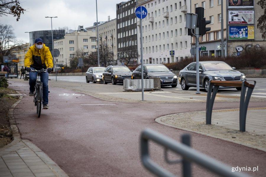 Nowy, brakujący fragment drogi rowerowej przy ulicy Władysława IV, fot. Przemysław Kozłowski