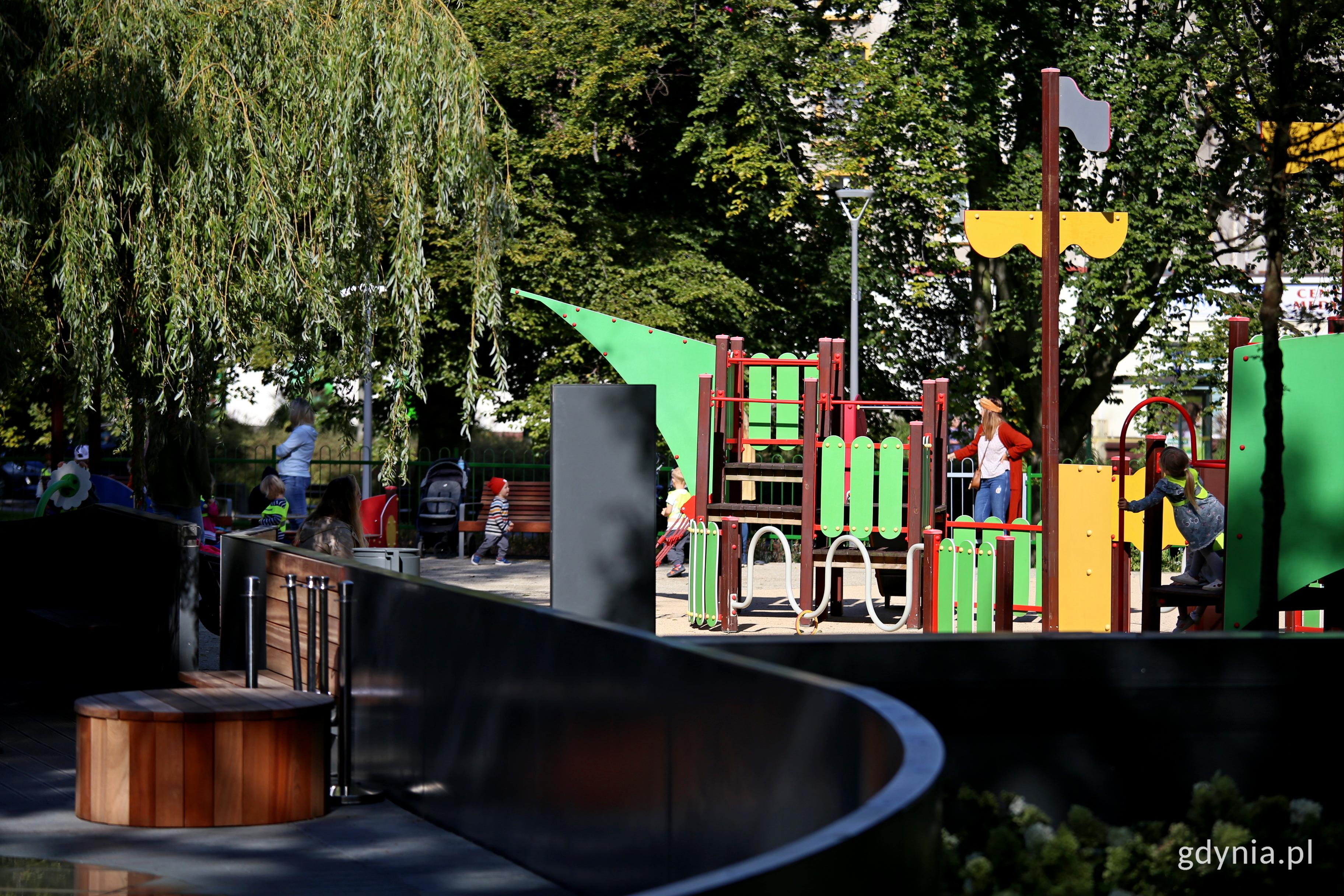Plac zabaw wybudowany w ramach drugiego etapu Parku Centralnego, fot. Przemysław Kozłowski