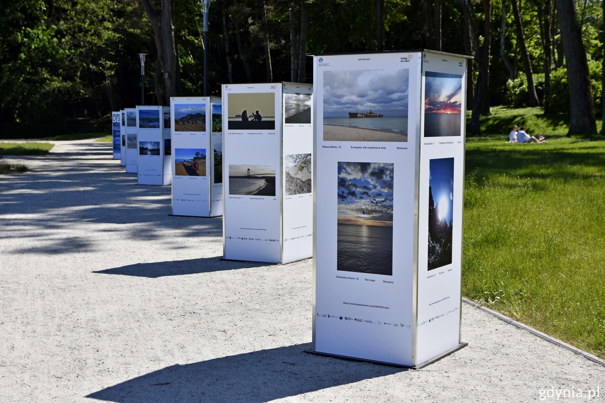 Wystawa fotografii konkursowych I live by the Sea na bulwarze w Gdyni, fot. Paweł Kukla