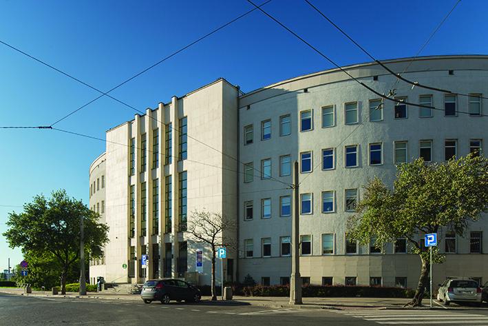 Gmach sądu obecnie – widok od strony południowej