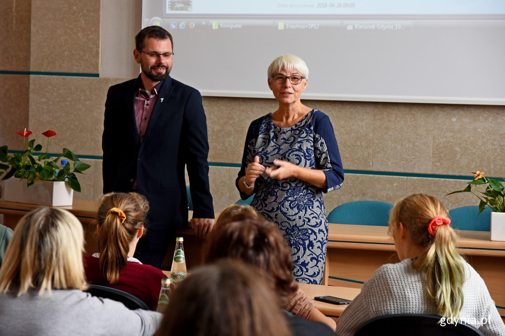 Spotkanie poprowadzili Joanna Zielińska, przewodnicząca rady miasta oraz Lechosław Dzierżak, radny miasta // fot. Paweł Kukla