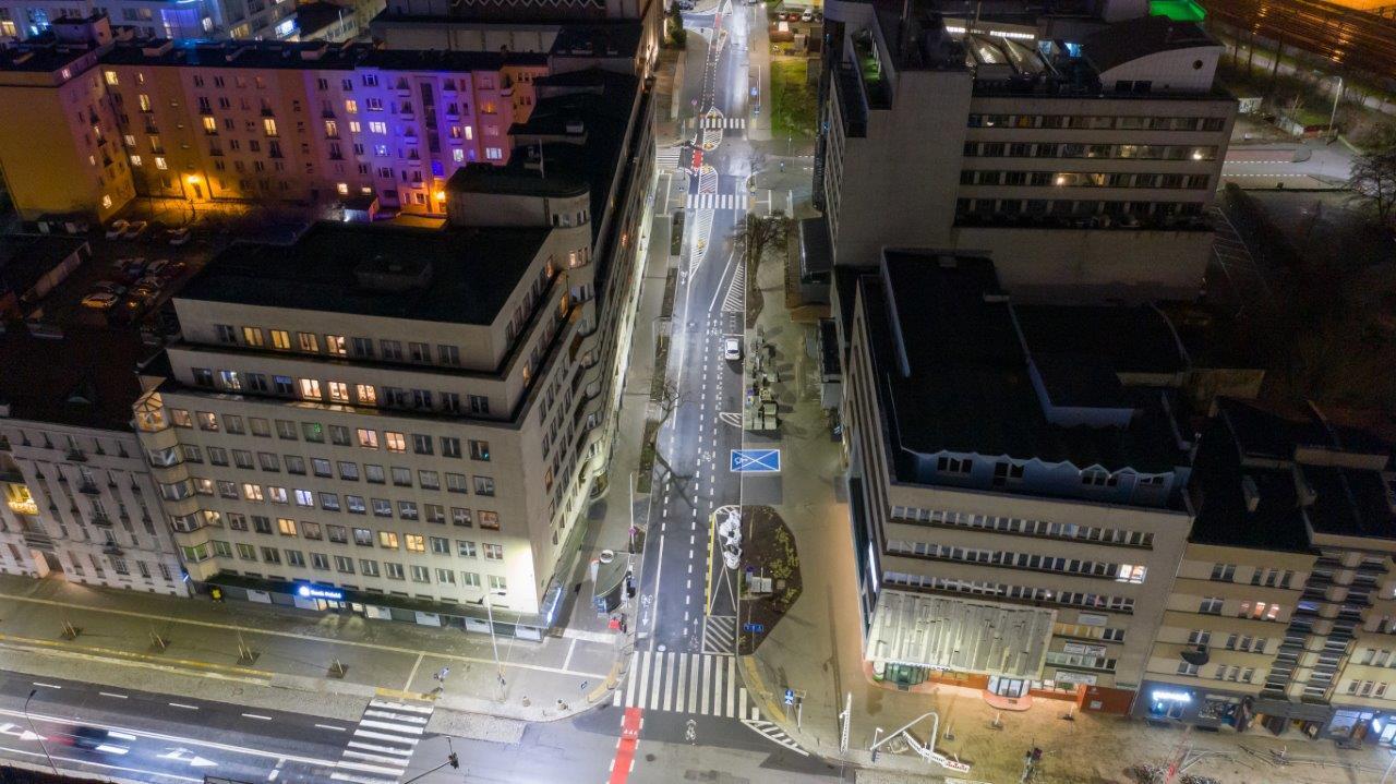 A tak ulica 3 Maja prezentowała się już po zakończeniu prac, w grudniu 2020 roku // fot. Tomasz Kozieł
