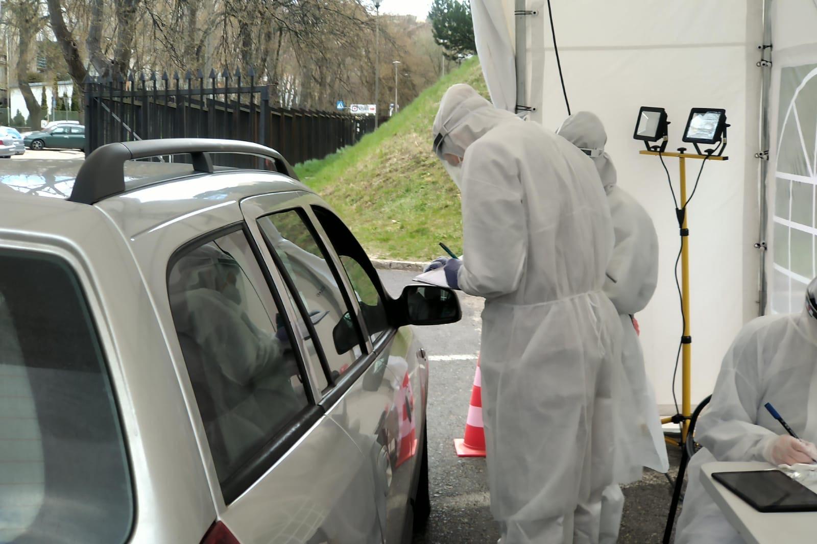 Badanie bez wychodzenia z auta, fot. gdynia.pl