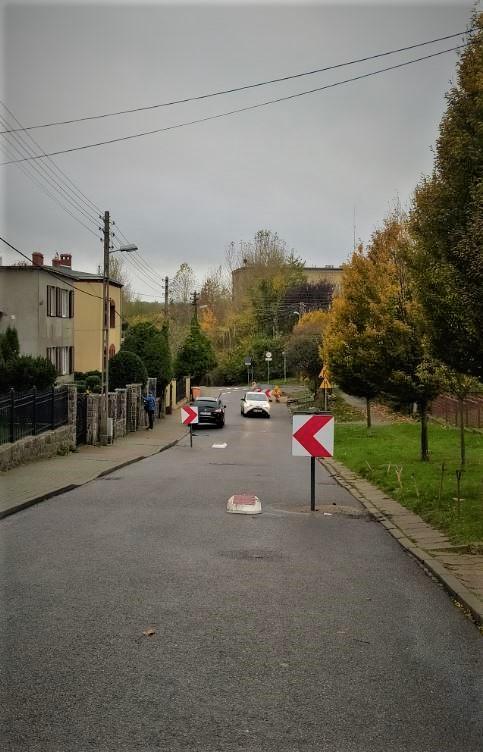 Tak wyglądają szykany na ul. Hallera // fot. M Karnowska