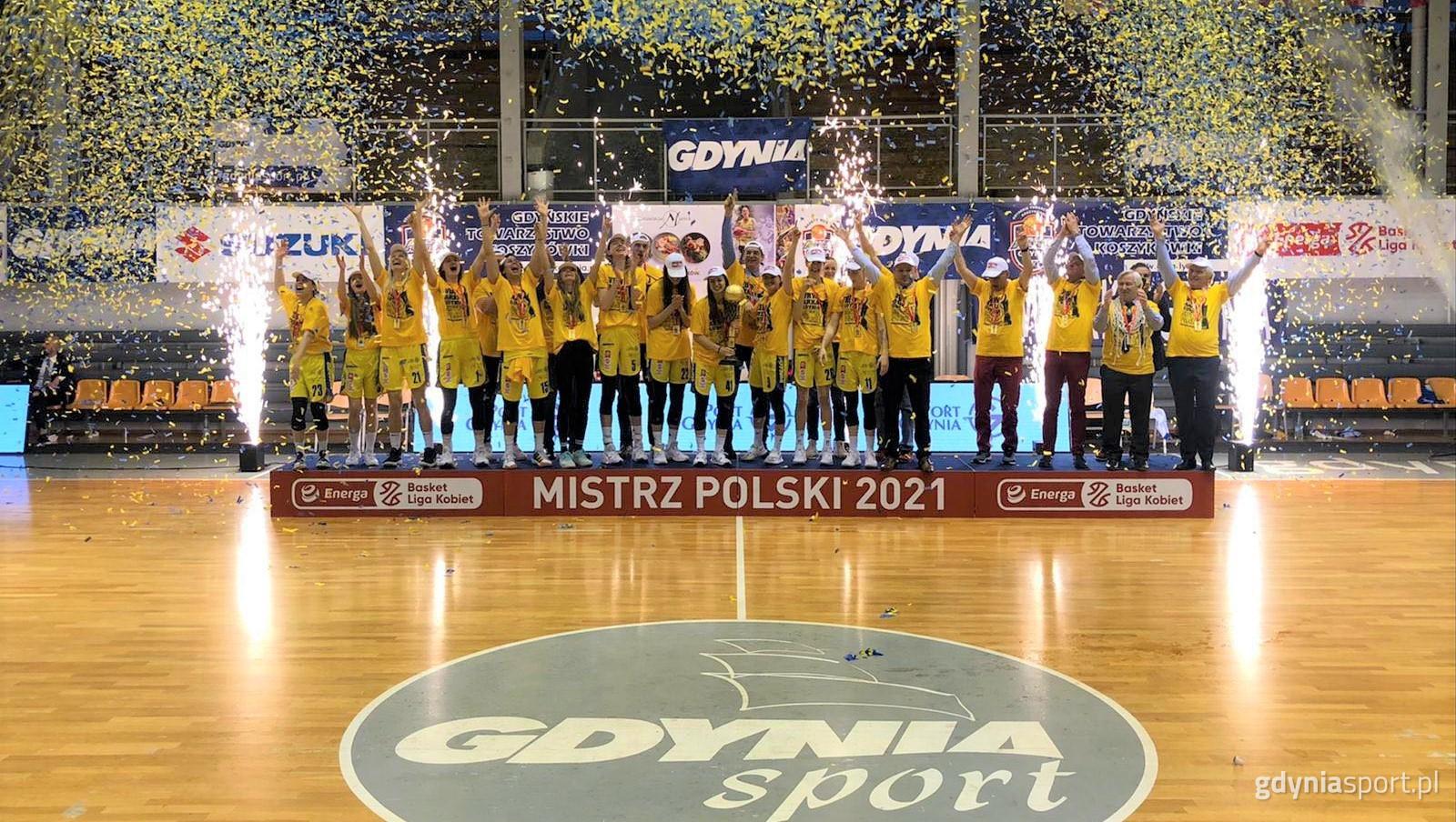 Koszykarki VBW Arki Gdynia świętują triumf w mistrzostwach Polski kobiet // fot. gdyniasport.pl