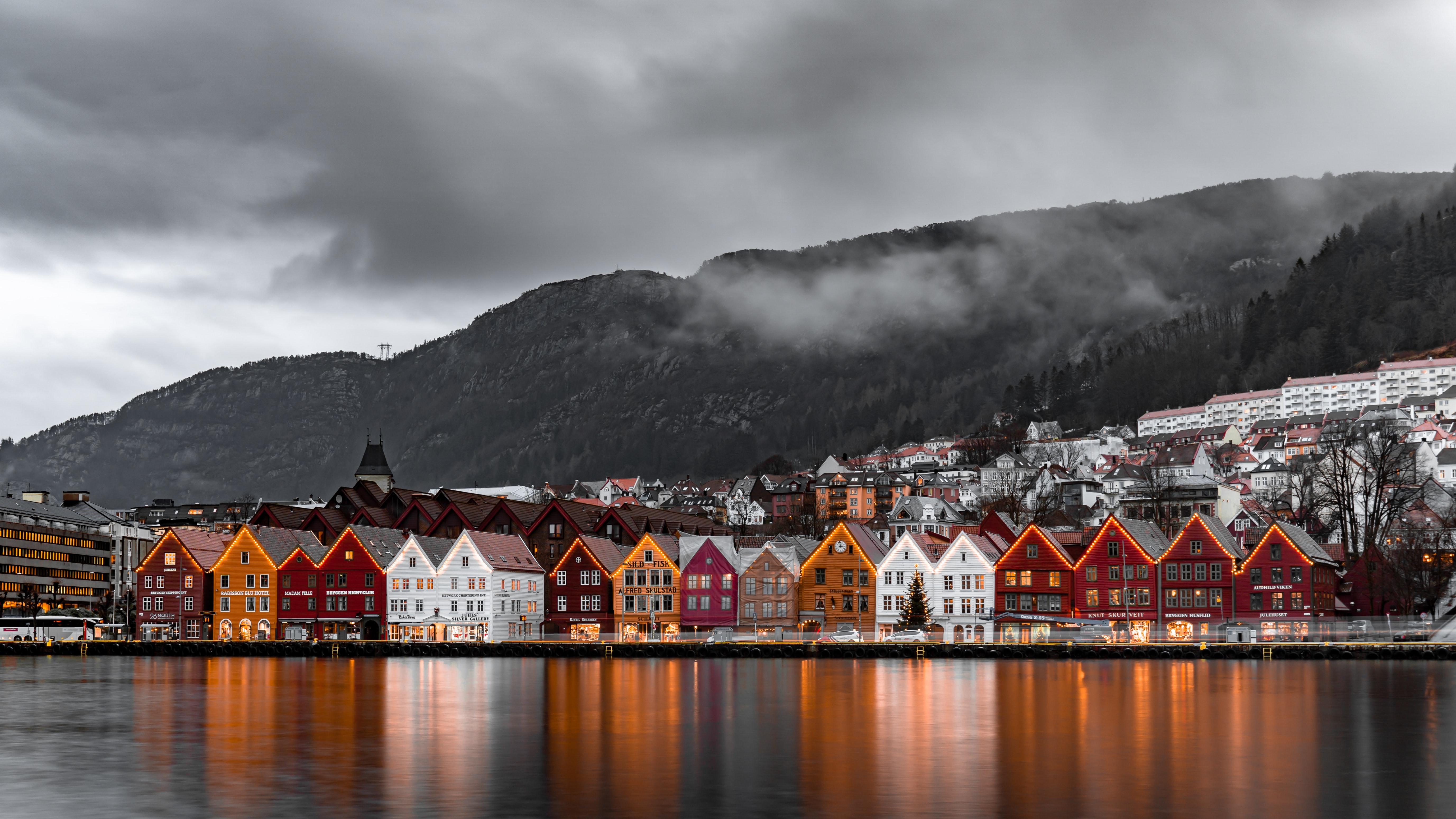 Bergen w Norwegii, fot.Michael Fousert/unsplash.com