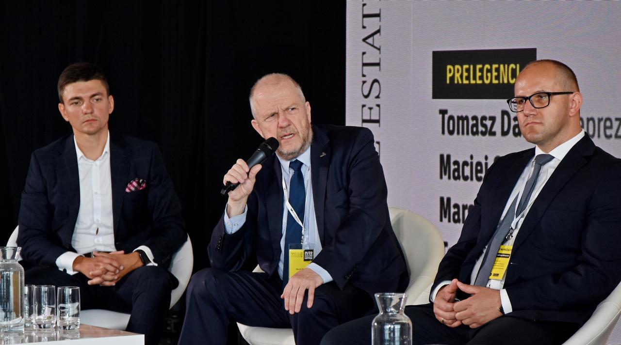 Wiceprezydent Gdyni, Marek Stępa podczas panelu dyskusyjnego, fot. Kamil Złoch