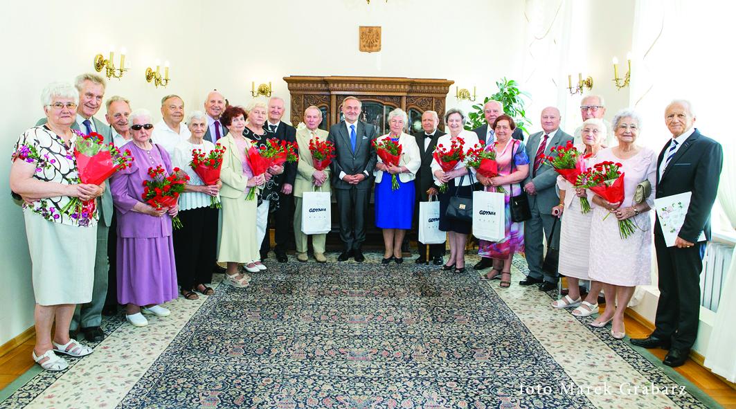 Nagrodzeni medalami za długoletniepożycie małżeńskie - ceremonia o godz. 15.00 // fot. Marek Grabarz