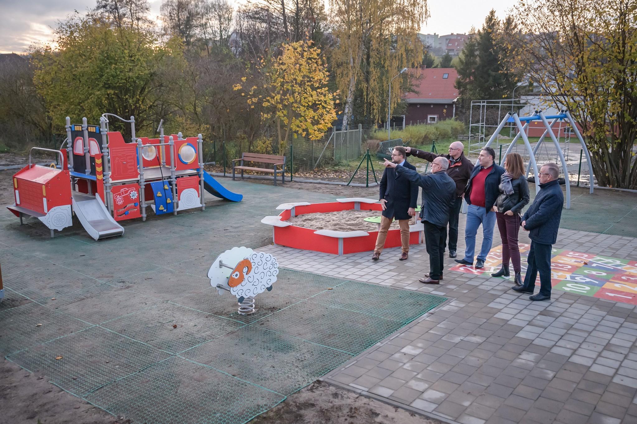 Nowy plac zabaw na Wielkim Kacku // fot. Tomasz Kamiński