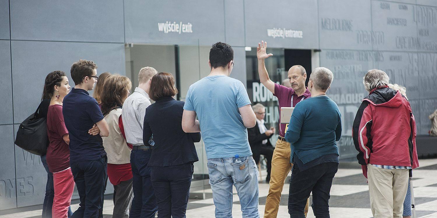 Sobotnie spacery z wolontariuszem-przewodnikiem po Muzeum Emigracji w Gdyni. Fot. Muzeum Emigracji w Gdyni