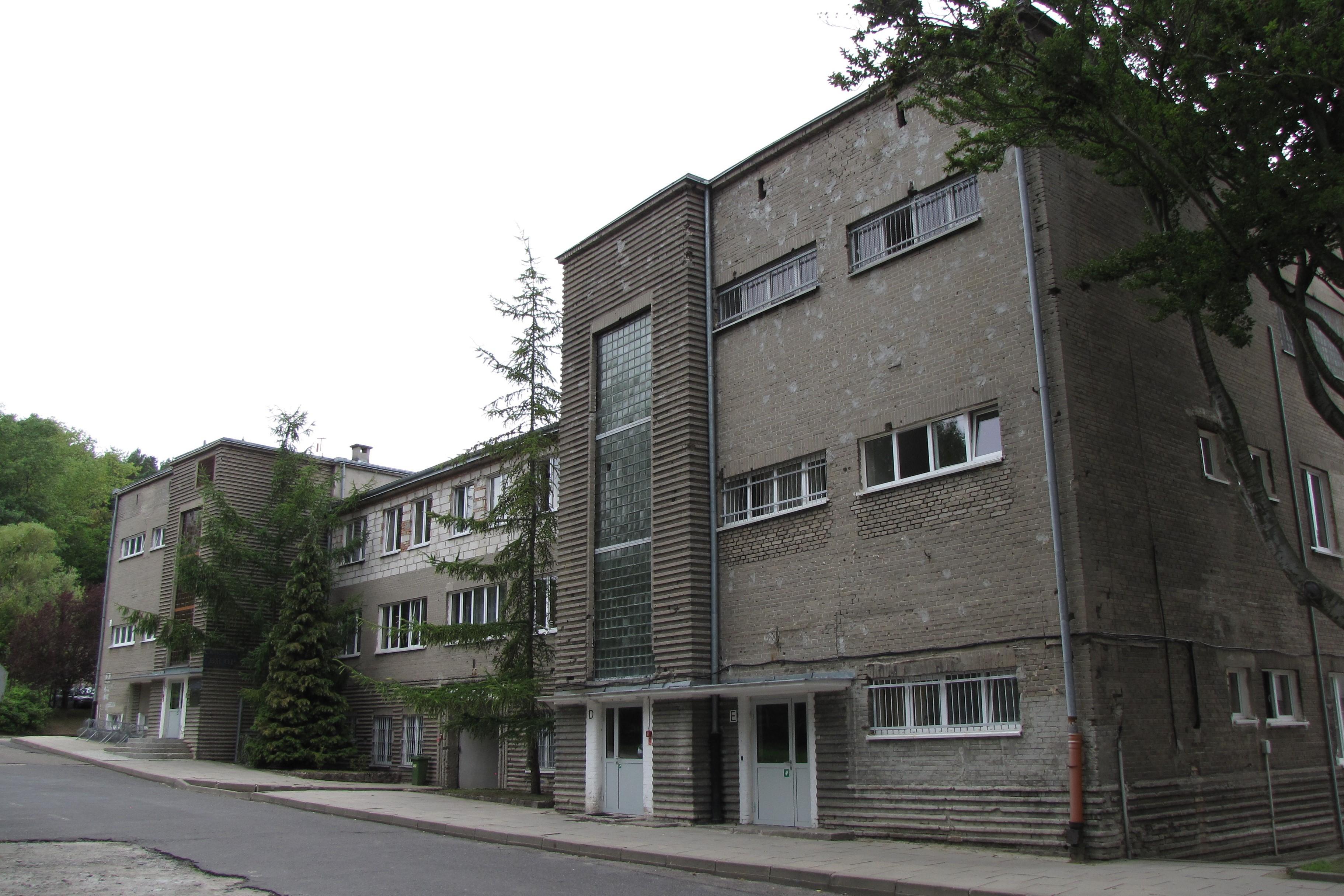 Jeden z budynków Etapu Emigracyjnego na Grabówku z lat 30. XX w.