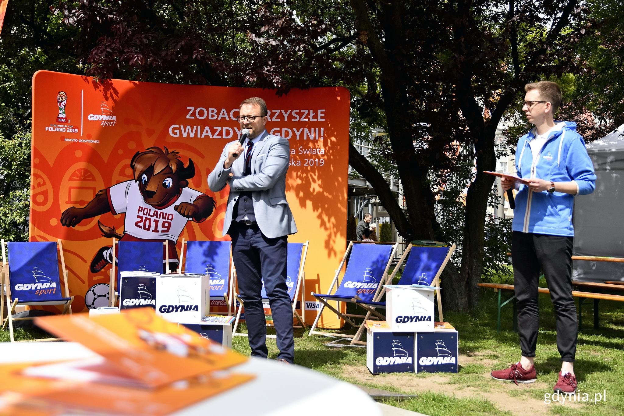 """Wiceprezydent Marek Łucyk otwierający """"Mistrzowskie Smaki Świata"""", fot. Kamil Złoch"""