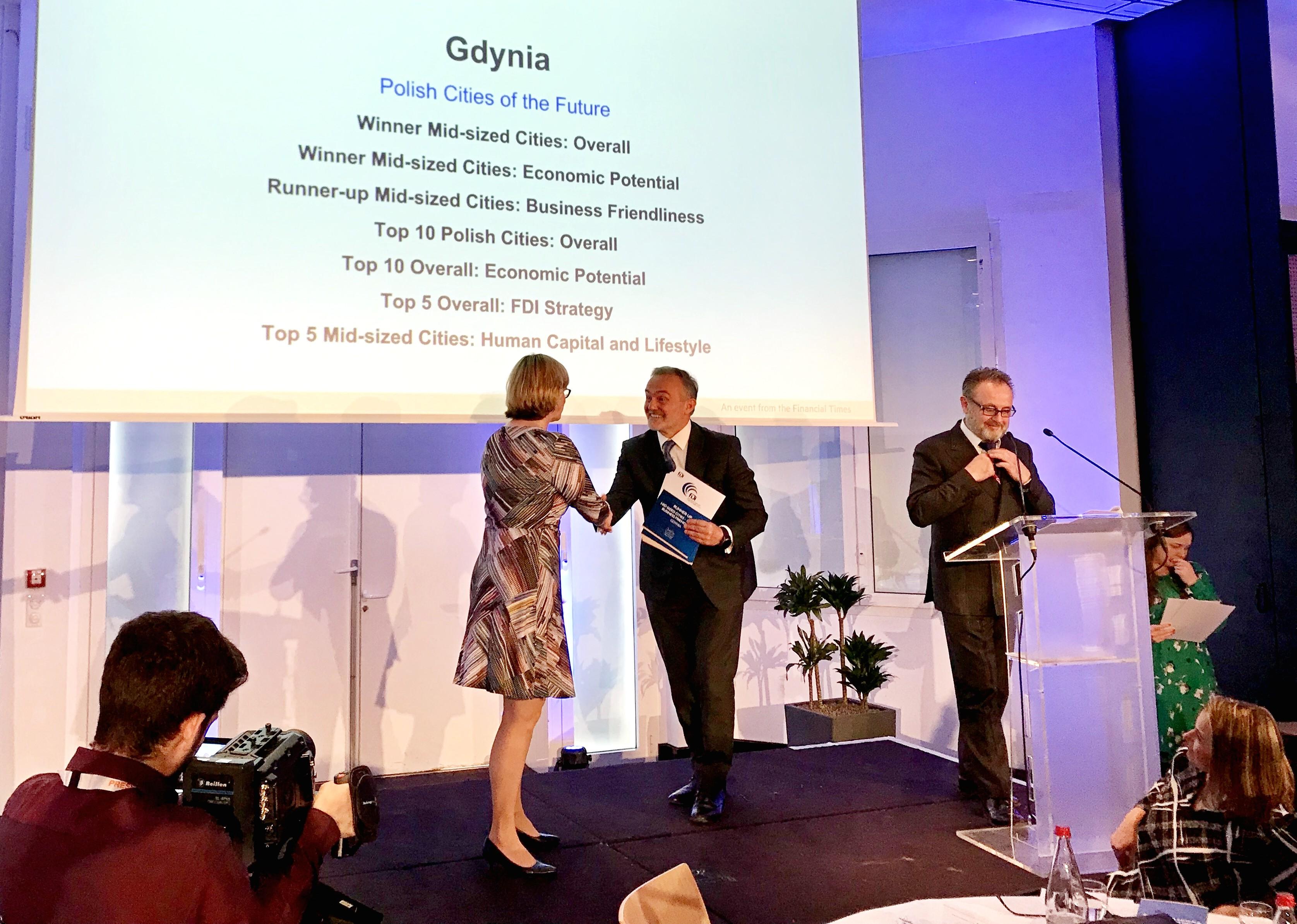 Dwie nagrody w ramach Polskich Miast Przyszłości 2019/2020 odebrał podczas targów MIPIM w Cannes prezydent Gdyni, Wojciech Szczurek, fot. Maja Studzińska