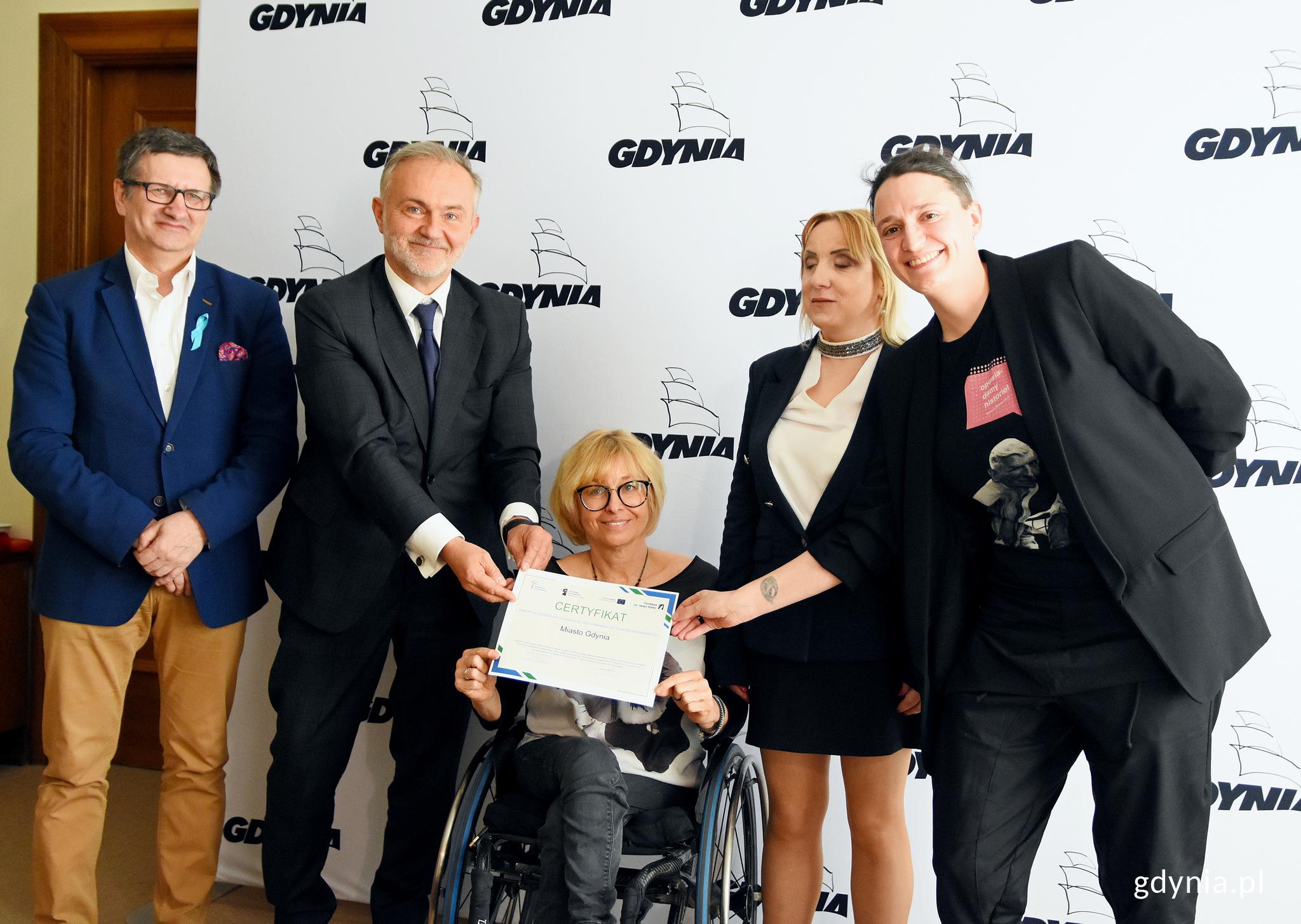 Certyfikat jest potwierdzeniem, że gdyńskie działania na rzecz dostępności i osób z niepełnosprawnością przynoszą wymierne efekty, fot. Kamil Złoch