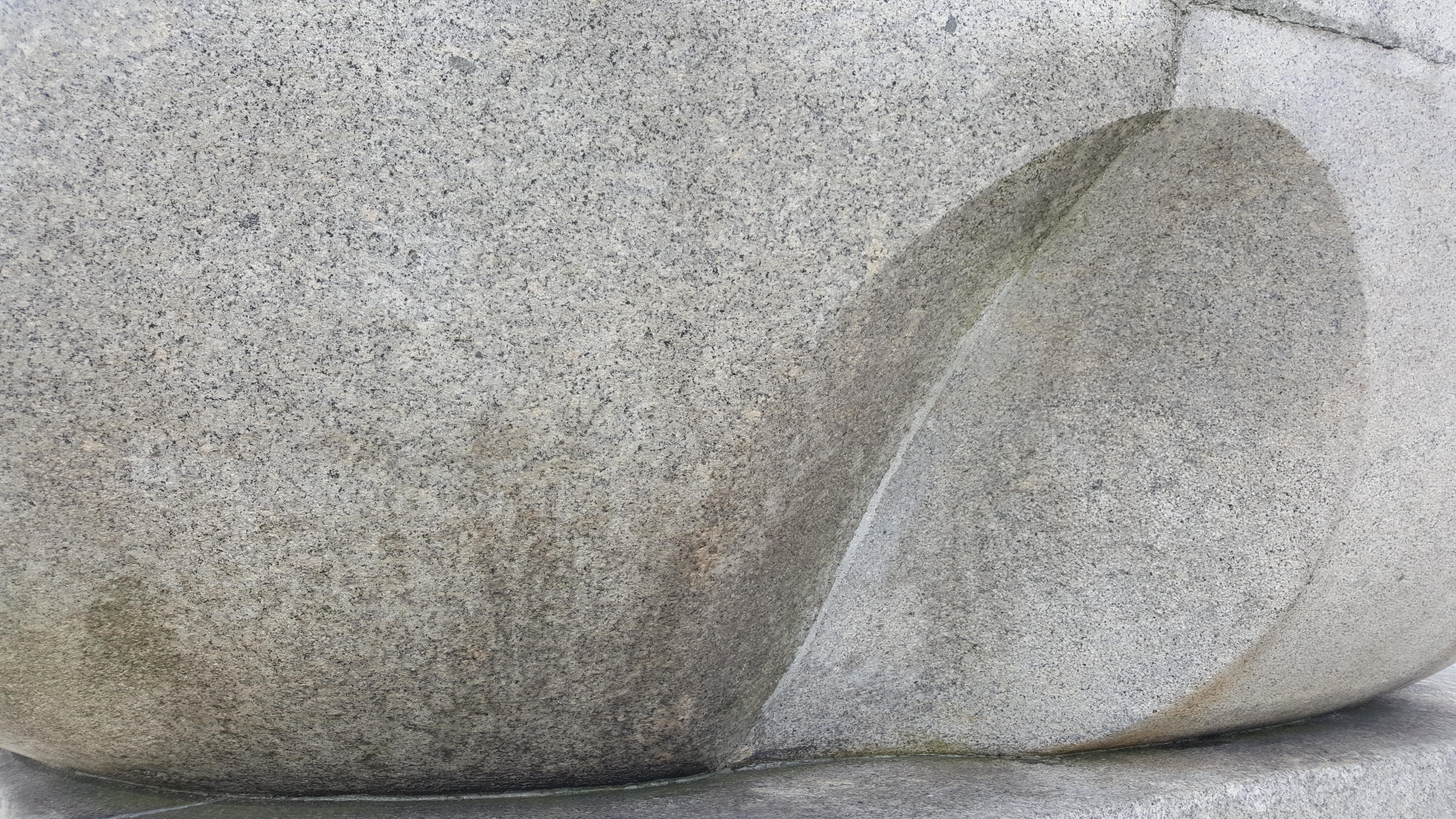 Jedno z konkursowych zadań polegało na odgadnięciu nazw pomnika po jego małym szczególe