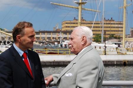 Prezydent RP Ryszard Kaczorowskii Prezydent Gdyni Wojciech Szczurek na Skwerze Kościuszki, foto: Dorota Nelke