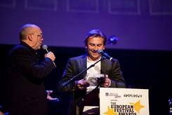 Uroczysta ceremonia rozdania nagród European Festival Awards w Groningen - Heineken Open'er Festival wygrał nagrodę w kategorii Najlepszy Duży Festiwal (Best Major Festival) odbiera Mikołaj Ziółkowski