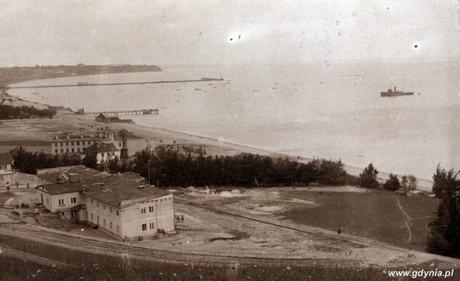 Widok z Kamiennej Góry na port tymczasowy, fot. Roman Morawski, 1923 r. (ze zbiorów Muzeum Miasta Gdyni)