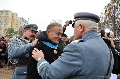Medal dla prezydenta od Piłsudczyków, fot. Sylwia Szumielewicz - Tobiasz