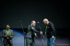 Wyróżnienie w kategorii Wyczyn Roku otrzymali Tomasz Witkowski, Arkadiusz Majewski, Tomasz Kozłowski, Dariusz Brzozowski i Włodzimierz Klósek za realizację projektu Polska stratosfera i rekordowe skoki spadochronowe z balonu, fot. Karol Stańczak