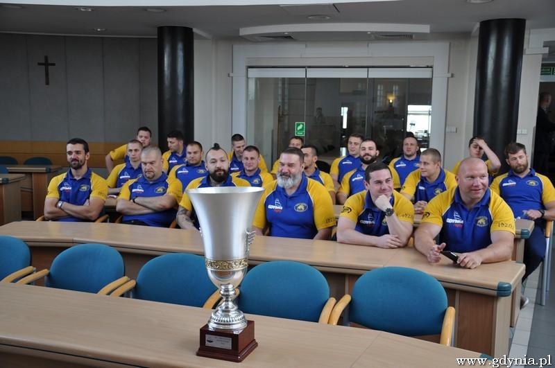 Rugby�ci Arki Gdyni z wizyt� u Prezydenta / fot. Sebastian Drausal