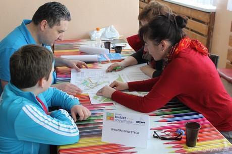 Maraton pisania wniosków do Budżetu Obywatelskiego na Karwinach, fot. Aleksandra Dylejko