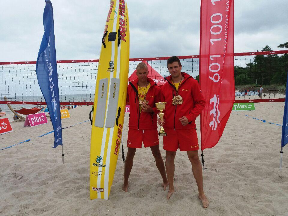 Zwyci�zcy zawod�w ratowniczych Surf Rescue Board Challenge 2016 / fot. Gdy�skie Centrum Sportu