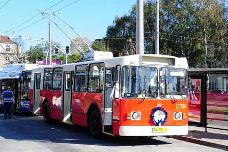 Odrestaurowany trolejbus ZIU-682B na pętli Orłowo Klif, fot. Michał Kowalski